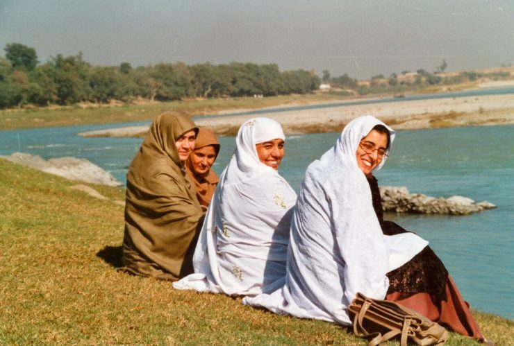 Pakistan Women among themselves